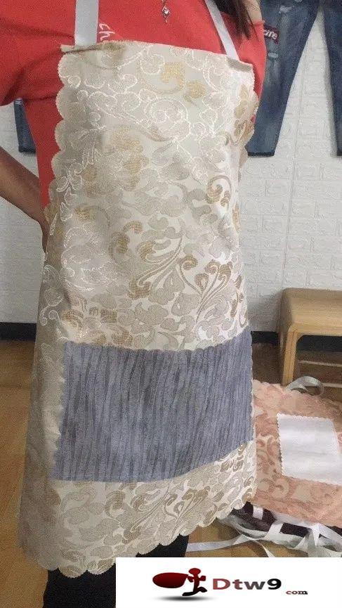 农村赶集摆地摊卖外贸皮围裙,围裙货源厂家直销