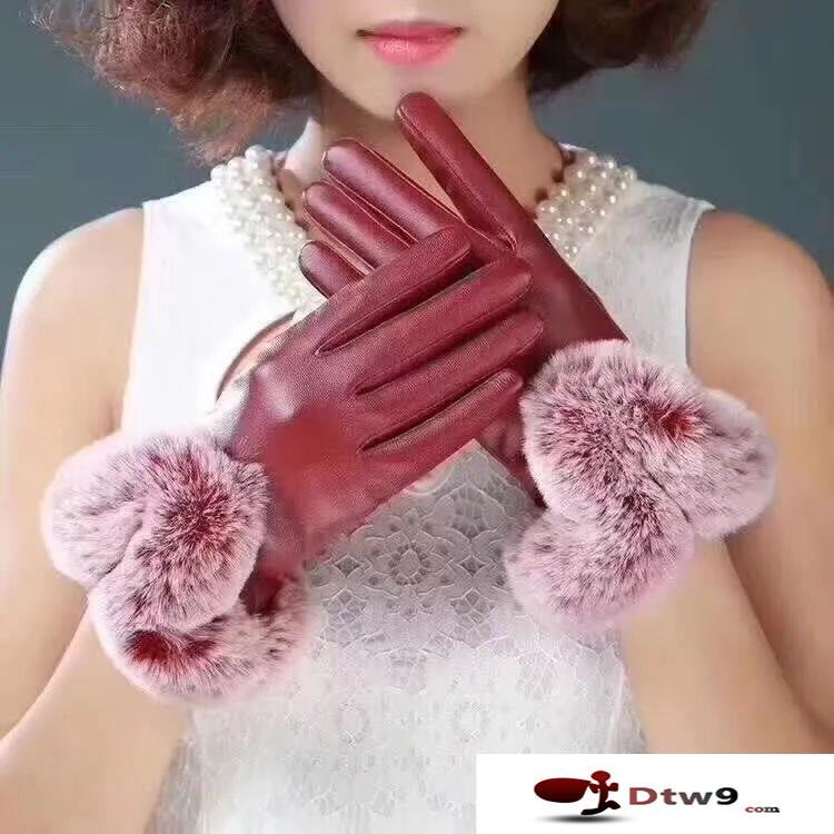 摆地摊卖PU触屏手套,5元模式精品手套批发货源