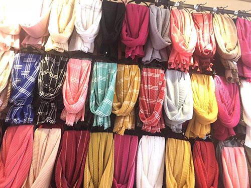 摆地摊围巾批发,地摊围巾货源