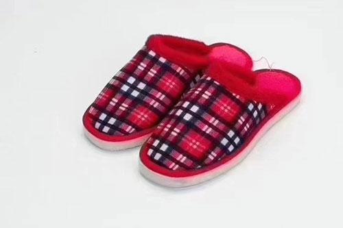 地摊小本创业货源:手工棉拖鞋,480元就可以小本创业啦-义乌地摊网