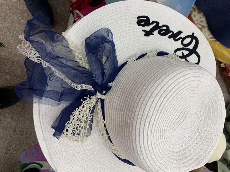 摆摊夏天遮阳帽批发,10元模式女士遮阳沙滩帽