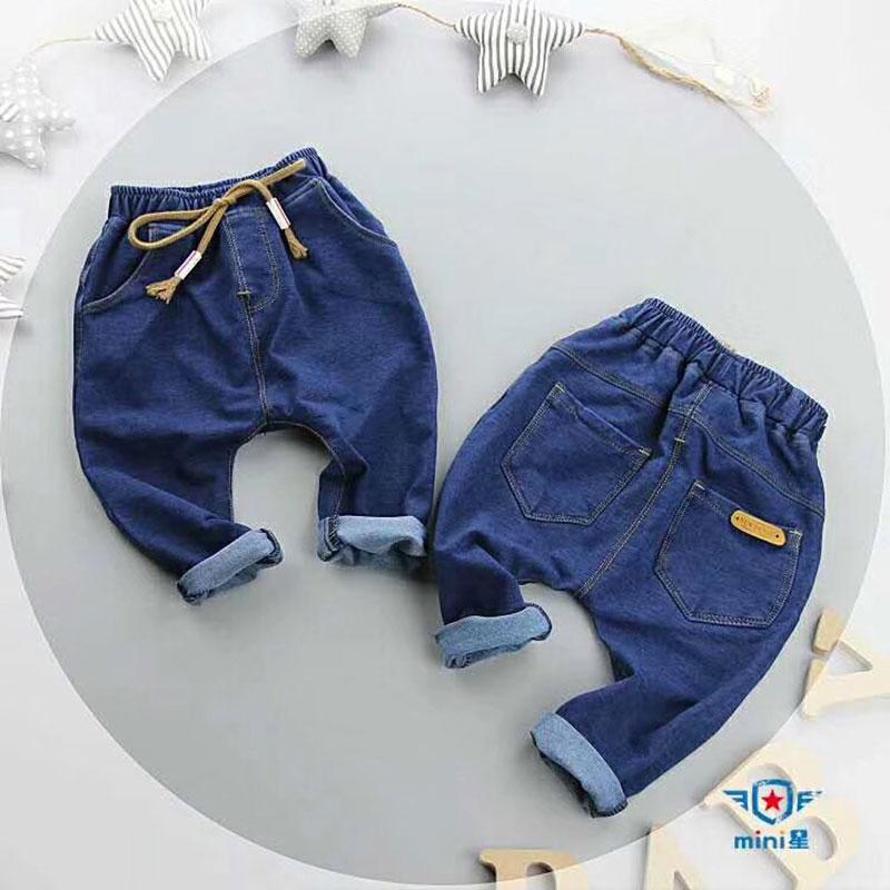 儿童秋款牛仔裤,纯棉面料,适合地摊商超售卖
