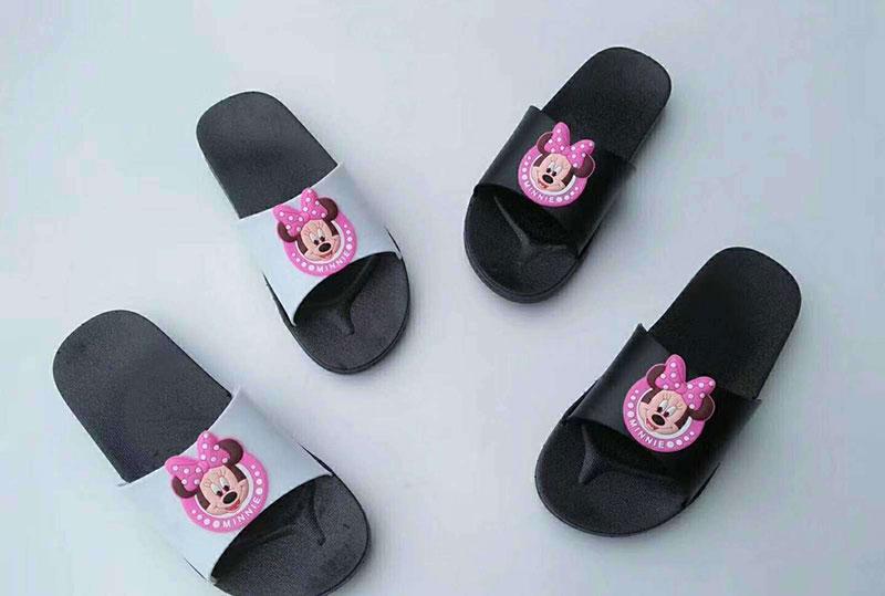 夏季时尚精品女士黑底拖鞋,适合店面促销,地摊甩卖