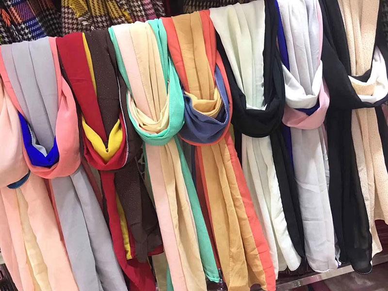 地摊雪纺丝巾批发,雪纺丝巾价格