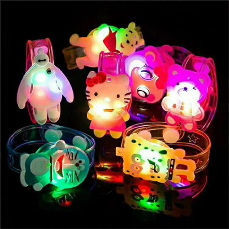 儿童发光玩具批发 亚克力卡通手表 亚克力项链货源批发